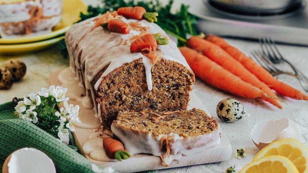 Mrkvový dort ve formě srnčí hřbet