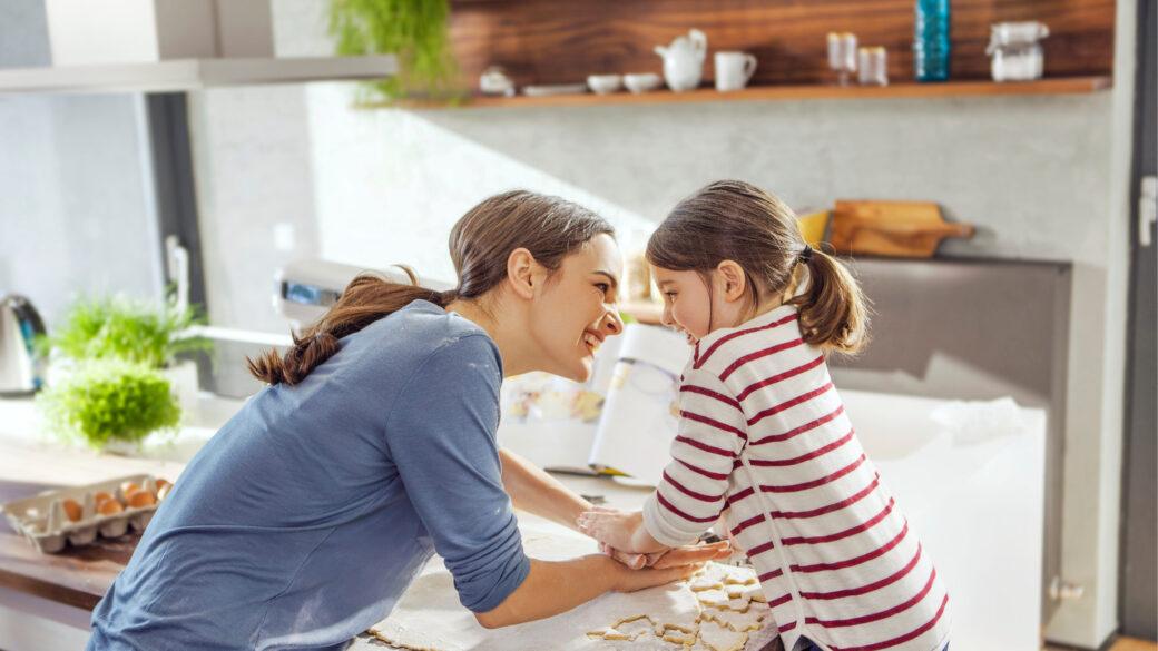 Zamisli za dejavnosti z otroki, ko preživljate čas doma