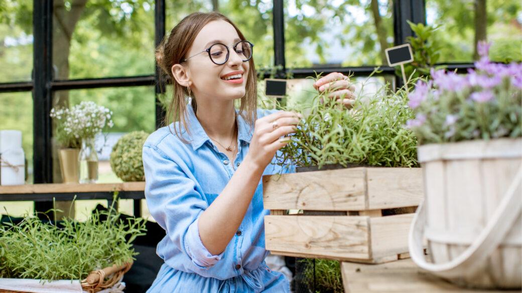 Pridelajte sveže sadje, zelenjavo in zelišča kar na svojem balkonu