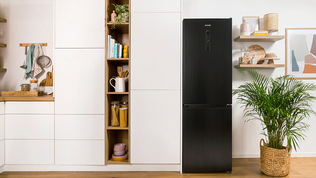how-do-you-choose-the-right-refrigerator-for-your-kitchen