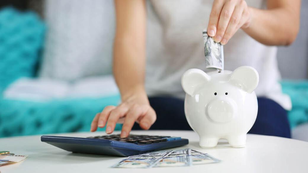 Za vas smo pripravili nasvete, kako zmanjšati znesek na računu za električno energijo, tako da stare gospodinjske aparate nadomestite z novimi in učinkovitejšimi. Gospodinjski aparati običajno zajemajo levji delež na računu za elektriko, ki jo porabite v gospodinjstvu. Koliko lahko prihranite, če boste uporabljali energijsko učinkovitejše aparate?