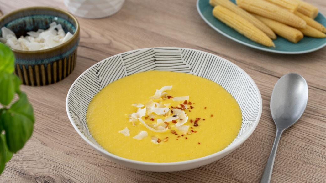 Okusna kokosova juha s koruzo, ki se zlahka pripravi