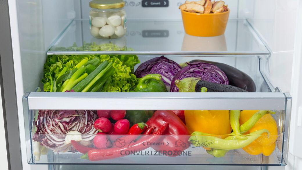Nekateri hladilniki imajo posebno funkcijo, ki optimizira hlajenje in ohranjanje svežine hrane. S senzorji se prilagodijo vsaki priložnosti ali vašim željam.